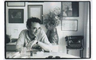 Ο Χιλιανός συγγραφέας Ρομπέρτο Μπολάνιο, συνεχιστής της παράδοσης του μαγικού ρεαλισμού.