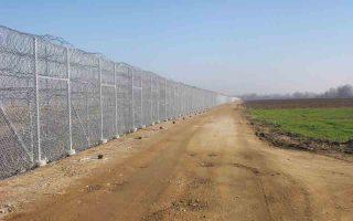 Φρένο στους λαθρομετανάστες από τον «φράχτη» 12 χλμ. στον Εβρο.