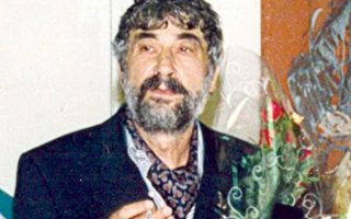 Kώστας Λούστας, ο Θεσσαλονικιός ζωγράφος στην έκθεσή του «80+1 Πορτρέτα Προσωπικοτήτων Θεσσαλονίκης» στη Δημοτική Πινακοθήκη, στις 31/10/1964.