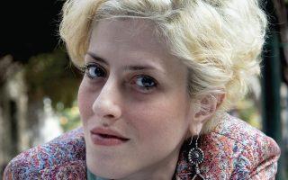 Η νεαρή σκηνοθέτις Ιώ Βουλγαράκη ανεβάζει για πρώτη φορά στο Φεστιβάλ Αθηνών το έργο του Φρίντριχ Σίλλερ «Οι ληστές».