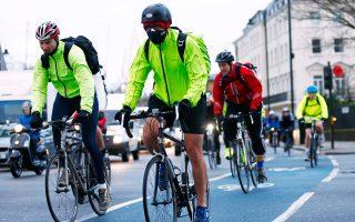 Ανδρες έτοιμοι για όλα, οι ΜΑΜΙL έχουν κάνει το ποδήλατο τρόπο ζωής, αφού τους επιτρέπει να διατηρούνται σε άριστη υγεία και φόρμα.