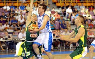 Η Εθνική Νέων ηττήθηκε στον πρώτο της αγώνα στο Ευρωμπάσκετ της Κρήτης με 73-65 από τη Λιθουανία, χάνοντας έδαφος για την κατάκτηση της πρώτης θέσης του ομίλου.