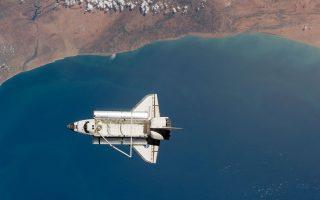 Παλαιά φωτογραφία του Discovery, όπως φαινόταν από τον Διεθνή Διαστημικό Σταθμό. Προχθές οι Αυστραλοί απήλαυσαν ένα υπέροχο θέαμα χάρη στο Σογιούζ.