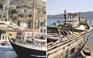 Το μεγαλύτερο, ίσως, «πέραμα» που έχει απομείνει στην Ελλάδα, διατηρητέο (αριστερά προ 15ετίας), λιώνει σήμερα (δεξιά) σ' ένα καρνάγιο στη Σαλαμίνα. Τα τελευταία 20 χρόνια, καταστρέψαμε με τις ευλογίες της Ε.Ε. και τη συνεργασία των ίδιων των ψαράδων πάνω από 10.000 πλεούμενα από τον παλαιότερο και ομορφότερο στόλο ξύλινων αλιευτικών σκαφών της Γηραιάς Ηπείρου, που αριθμούσε 17.500 εν συνόλω. Χάθηκαν για πάντα τα «χνάρια» τους, δηλαδή τα μοναδικά τους σχέδια που είχαν συλλάβει και εκτελέσει οι εμπειρικοί καραβομαραγκοί, οι οποίοι είχαν μάθει την τέχνη από πατέρα σε παιδί.