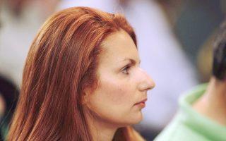Αν αναρωτιέστε ποιοι ασχολούνται ακόμη με το μέλλον του ΠΑΣΟΚ, ιδού η φωτογραφία μιας κυρίας από τη συνεδρίαση της Κ.Ε. του κινήματος...