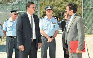 Η επίτροπος της Ε.Ε. αρμόδια για τα Θέματα Μετανάστευσης, Σεσίλια Μάλμστρομ, επισκέφθηκε χθες το κέντρο πρώτης υποδοχής συνοδευόμενη από τους υπουργούς Προστασίας του Πολίτη, Β. Κικίλια, και Ναυτιλίας, Μιλ. Βαρβιτσιώτη.