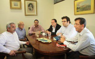 Στη Βουλή συναντήθηκαν χθες τα στελέχη του ΠΑΣΟΚ και της ΔΗΜΑΡ.