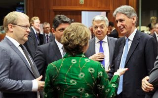 Η επικεφαλής της ευρωπαϊκής διπλωματίας, Κάθριν Αστον, συνομιλεί με υπουργούς Εξωτερικών από τη Βρετανία, το Βέλγιο και την Εσθονία, στη διάρκεια της χθεσινής συνόδου.