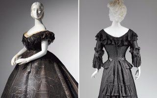 Αριστερά, βραδινό φόρεμα του 1861 από μουαρέ μετάξι και δαντέλα. Συλλογή Roy Langford. Δεξιά, Μόδα για πένθος, των πρώτων μετα-βικτωριανών χρόνων (1902-1904). Κρεπ, σιφόν και ταφτάς.