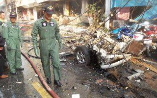Εικόνα καταστροφής στο εμπορικό κέντρο της επαρχίας Γιάλα στην Ταϊλάνδη μετά την έκρηξη σε παγιδευμένο φορτηγό.