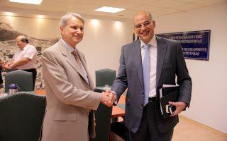 Ο υπουργός Ανάπτυξης και Ανταγωνιστικότητας Νίκος Δένδιας στη συνάντηση με τον επικεφαλής της Ομάδας Δράσης για την Ελλάδα κ. Χορστ Ράιχενμπαχ.