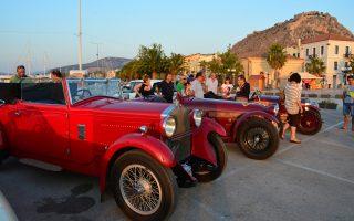 Ιστορικά αυτοκίνητα Alfa Romeo βρίσκονται στο Ναύπλιο, με φόντο το κάστρο Παλαμήδι, στο πλαίσιο του Γύρου Πελοποννήσου 2014, που διοργανώνει ο Ελληνικός Σύνδεσμος Registro Italiano Alfa Romeo
