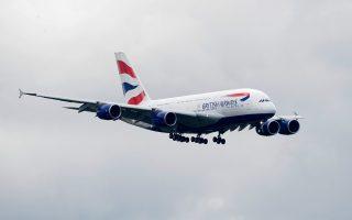 sexoyaliki-kakopoiisi-apo-piloto-tis-british-airways-kataggeloyn-gynaikes-apo-tin-afriki0
