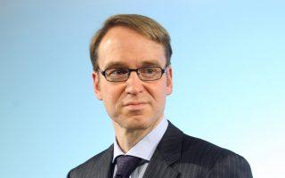 Κορυφαίος οικονομολόγος της Bundesbank, χαρακτηρίζει «ήπιες» τις αυξήσεις που συμφωνήθηκαν προσφάτως, δεδομένου ότι η οικονομία της Γερμανίας παραμένει αρκετά ισχυρή, ενώ η ανεργία βρίσκεται σε χαμηλά επίπεδα. Πηγές της τράπεζας τόνισαν, άλλωστε, πως οι απόψεις του απηχούν και εκείνες του προέδρου της Bundesbank, Γενς Βάιντμαν (φωτογραφία).