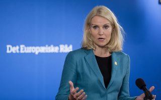 Η Δανέζα Πρωθυπουργός Χέλε Θόρνινγκ Σμιτ εμφανίζεται ως επικρατέστερη διάδοχος του Χέρμαν Βαν Ρομπόυ.