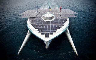 stin-korintho-to-megalytero-iliako-catamaran-ston-kosmo0