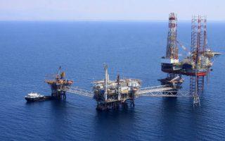 Το πλωτο γεωτρύπανο CSP Fortuna στον Πρίνο, το οποίο ο υπουργός Περιβάλλοντος Γιάννης Μανιάτης έθεσε σε λειτουργία, το Σάββατο 20 Ιουλίου 2013.Πανηγυρικό χαρακτήρα είχε η σημερινή παρουσίαση του νέου επενδυτικού -γεωτρητικού προγράμματος της εταιρείας Energean Oil & Gas παρουσία του υπουργούΓιάννη Μανιάτη. Επενδύσεις συνολικού ύψους 60.000.000 δολαρίων θα υλοποιήσει το αμέσως επόμενο διάστημα η εταιρεία εξόρυξης και αξιοποίησης υδρογονανθράκων Energean Oil & Gas από κοινού με τη θυγατρική της Kavala Oil, όπως ανακοίνωσε σήμερα το πρωί, παρουσία του υπουργού Περιβάλλοντος Γιάννη Μανιάτη, ο πρόεδρος και διευθύνων σύμβουλος της Energean Oil & Gas Μαθιός Ρήγας. ΑΠΕ-ΜΠΕ/ΑΠΕ-ΜΠΕ/ΙΟΡΔΑΝΙΔΗΣ ΧΑΡΗΣ