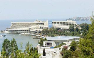 i-hines-endiaferetai-gia-agora-toy-porto-karras-2032583