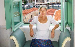 Η Rachel Howard του Guardian στη Σύμη, αγαπημένο της προορισμό - Η Ελλάδα της Rachel σε λίγες λέξεις: «Φως, ανοιχτός ορίζοντας, παρέα, καλοπέραση».