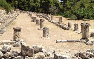 Τα ερείπια των κτισμάτων του ιερού, όπως τα βλέπει ο σημερινός επισκέπτης.