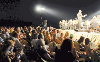 Η παραλία της Αύρας φιλοξενεί αρκετές από τις πολλές εκδηλώσεις του 9ου Διεθνούς Μουσικού Φεστιβάλ Αίγινας.