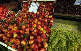 Εντονος προβληματισμός επικρατεί στην Αθήνα σε σχέση με τις επιπτώσεις του εμπάργκο της Ρωσίας στα ελληνικά αγροτικά προϊόντα.