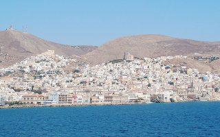 Ενδιαφέρον για τη δημιουργία σύνθετου τουριστικού καταλύματος με ξενοδοχείο 290 κλινών και τουριστικές κατοικίες 250 κλινών σε έκταση 417 στρεμμάτων στην Ερμούπολη της Σύρου.