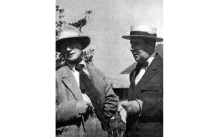 Ποντινί, 1923. O Aντρέ Ζιντ με τον Ροζέ Μαρτέν ντυ Γκαρ.