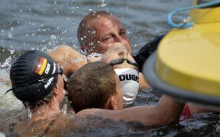 Τα 10.000 μ. ανοικτού νερού στο ευρωπαϊκό πρωτάθλημα του υγρού στίβου παραλίγο να έχουν άσχημο φινάλε, με τη λιποθυμία της Πολωνής κολυμβήτριας Ναταλίας Τσάρλος.