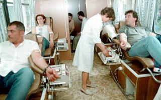 Στη χώρα μας συλλέγονται περίπου 600.000 μονάδες αίματος ετησίως από εθελοντές, γεγονός που την κατατάσσει ανάμεσα στις πρώτες 10 χώρες σε αιμοδότες στην Ευρώπη. Είναι όμως και η δεύτερη χώρα, μετά τη Δανία, σε κατανάλωση αίματος.