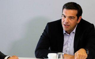 Ο κ. Τσίπρας συναντήθηκε χθες με τους ροδακινοπαραγωγούς και υποστήριξε ότι η Ελλάδα πρέπει να διαχωρίσει τη θέση της από την «αδιέξοδη λογική των κυρώσεων» εις βάρος της Ρωσίας.
