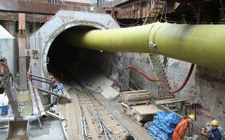 Οι εργασίες στο Μετρό της Θεσσαλονίκης εξελίσσονται πλέον με πολύ κα- λούς ρυθμούς και ο στόχος ολοκλήρωσης του έργου το 2018 είναι εφικτός, σύμφωνα με τον κ. Στρ. Σιμόπουλο.