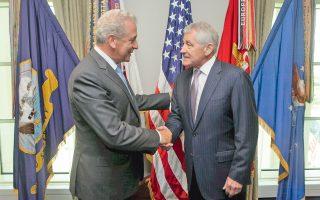 Σε θερμό κλίμα η συνάντηση, προχθές, του υπουργού Αμυνας Δημήτρη Αβραμόπουλου με τον Αμερικανό ομόλογό του Τσακ Χέιγκελ, ο οποίος ευχαρίστησε την Ελλάδα για τη διεθνή συνεισφορά της στα Βαλκάνια και τη Μέση Ανατολή.