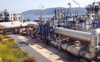Σε περίπτωση που υπάρξει διακοπή της τροφοδοσίας φυσικού αερίου μέσω Ουκρανίας, αναμένεται απότομη άνοδος της τιμής του υγροποιημένου αερίου (στη φωτ. οι εγκαταστάσεις στη Ρεβυθούσα).