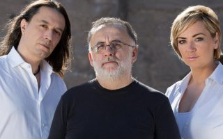 To Φεστιβάλ του Δήμου Αμαρουσίου, στον υπαίθριο χώρο του Αμαλίειου, θα ανοίξουν αύριο οι Θάνος Μικρούτσικος, Γιάννης Κότσιρας και Ρίτα Αντωνοπούλου.