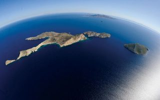 H Δονούσα από ψηλά. Οι γεωλογικές διεργασίες που έδωσαν στο Αιγαίο Πέλαγος τη σημερινή του μορφή διήρκεσαν πολλά εκατομμύρια χρόνια και συνεχίζονται έως τις μέρες μας.