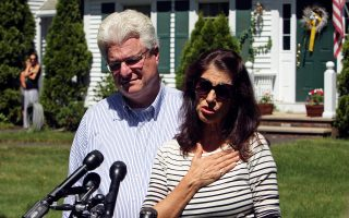 O Tζον Φόλεϊ, μαζί με την σύζυγό του, Νταϊάν.
