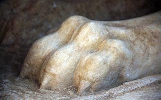 Το πόδι της Σφίγγας από μάρμαρο Θάσου στην Αρχαία Αμφίπολη Σερρών.