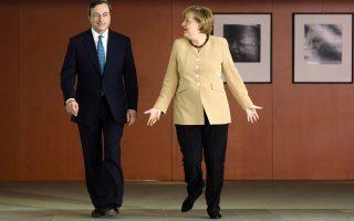 Την ενόχληση της Γερμανίδας καγκελαρίου κ. Αγκελα Μέρκελ προκάλεσε, σύμφωνα με το γερμανικό περιοδικό Der Spiegel, η πρόσφατη δήλωση του προέδρου της ΕΚΤ κ. Μάριο Ντράγκι ότι ο περιορισμός της δημοσιονομικής λιτότητας θα βοηθούσε τη γενικότερη κατάσταση.