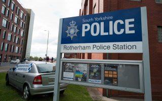 Την αστυνομία και τις δημοτικές υπηρεσίες του Ρόδερχαμ για ολιγωρία κατηγόρησε η υπουργός Εσωτερικών, Τερέσα Μέι.