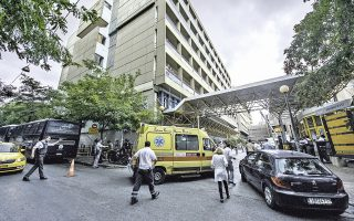 Ο υπουργός Υγείας απέρριψε ως αβάσιμες τις κατηγορίες ότι το κράτος επιχειρεί να αποσυρθεί από τη χρηματοδότηση του ΕΣΥ και την κριτική ότι θα χειροτερεύσουν οι υπηρεσίες υγείας.