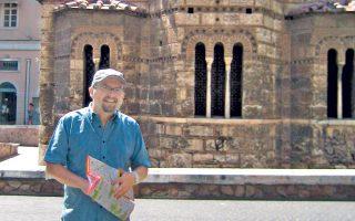 Ο Γκάρεθ Μπρουκς σε μια από τις επισκέψεις του στην Αθήνα. Οπως λέει στην «Κ», «η τηλεόραση είναι για τους σκληρούς!».