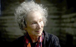 Η διάσημη Καναδή συγγραφέας Μάργκαρετ Ατγουντ αποδέχθηκε με ενθουσιασμό την πρόσκληση να συμβάλει στη δημιουργία του Future Library.