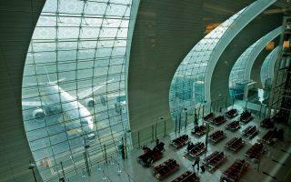 Η αναγγελία της επέκτασης του αεροδρομίου πραγματοποιείται μια χρονική στιγμή που οι οικονομικές συνθήκες έχουν βελτιωθεί αρκετά για το αραβικό εμιράτο.
