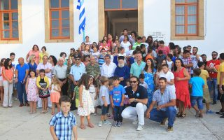 Ο υπουργός Παιδείας παρευρέθη στον αγιασμό σχολείων της Δωδεκανήσου. Η φωτογραφία είναι από το Αγαθονήσι.