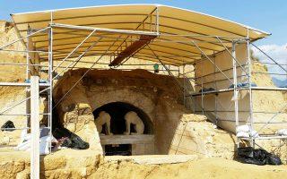 Συνεχίζεται η τοπογραφική αποτύπωση για την ακριβή γεωμετρία του μνημείου στην Αμφίπολη.