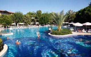 Συμβάσεις αποκλειστικότητας με πρακτορεία που πτώχευσαν είχαν πάνω από 100 ελληνικά ξενοδοχεία