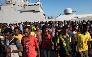 Εκατοντάδες πρόσφυγες από την Ανατολική Αφρική έφθασαν την περασμένη Κυριακή στο λιμάνι της Αουγκούστα, τα αρχαία Μέγαρα Υβλαία, στη Σικελία.