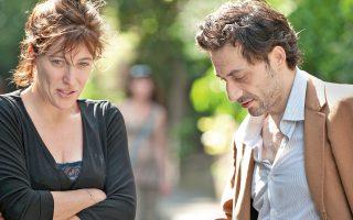 «Ενας πύργος στην Ιταλία»: η τρίτη ταινία που η Βαλέρια Μπρούνι Τεντέσκι υπογράφει ως σκηνοθέτις, σεναριογράφος και ηθοποιός.