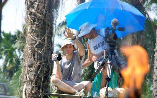 Ο Τζόσουα Οπενχάιμερ στα γυρίσματα του «Act of killing».